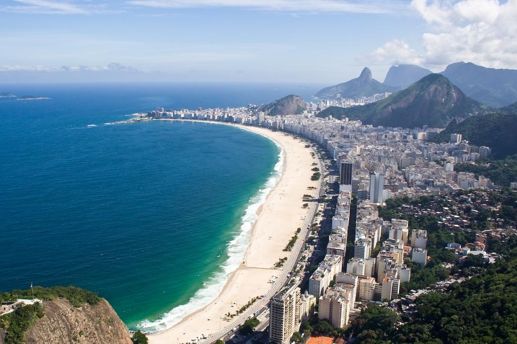Praia_de_Copacabana_-_Rio_de_Janeiro,_Brasil_0.jpg.crop_display