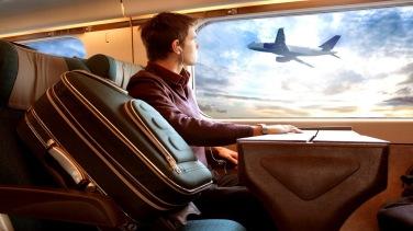 sentado a janela do avião